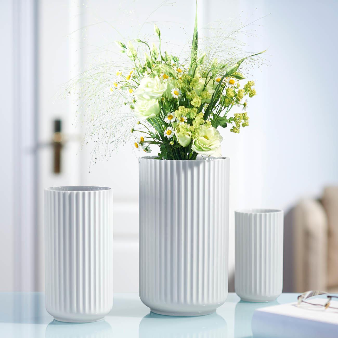 lyngby porzellan vase handgemachtes porzellan 15 cm h 8 cm durchmesser weiss. Black Bedroom Furniture Sets. Home Design Ideas