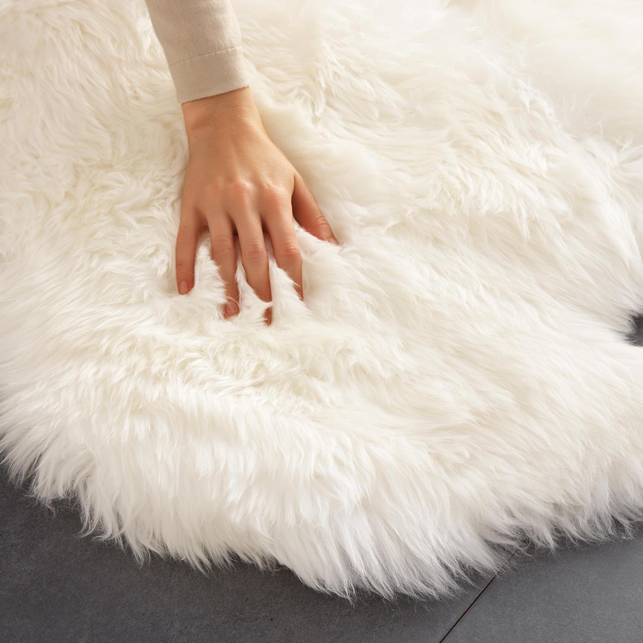 lammfell teppich 160 x 100 cm gross und sogar maschinenwaschbar. Black Bedroom Furniture Sets. Home Design Ideas