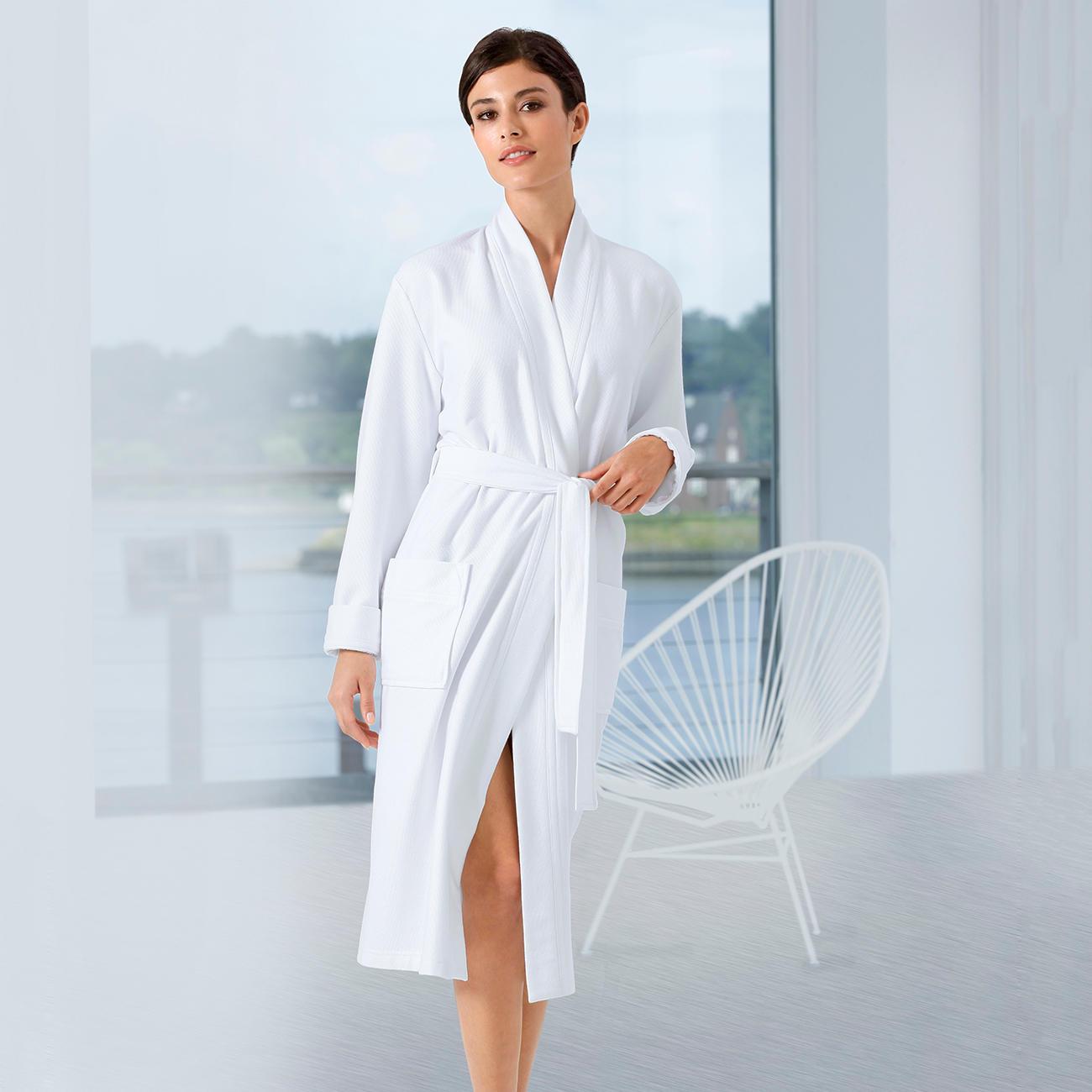taubert light bademantel mode klassiker entdecken. Black Bedroom Furniture Sets. Home Design Ideas