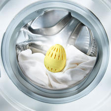 Bio-aktiver Waschball EcoEgg™ - Bio-aktive Waschkraft statt Waschmittel. Schont Ihre Wäsche, die Umwelt. Und spart viel Geld.