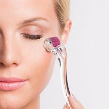 Beautyroller® - Microneedling@home: der Anti-Aging-Erfolg der Hollywood-Stars. Jetzt bei Ihnen zu Hause.