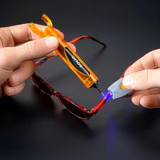 SOLIQ-Set - Schnell, einfach, professionell: UV-härtender Flüssig-Kunststoff statt Kleber.