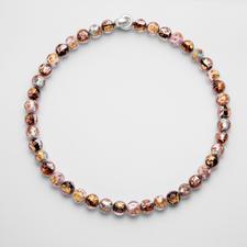 Murano-Perlencollier - Venezianische Pracht: Schimmerndes Gold und Silber, eingefangen von edlen Perlen aus Murano-Glas.