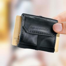 Space Wallet® Mini-Börse - Das clevere Platzsparwunder unter den Geldbörsen. Verstaut Scheine, Münzen und bis zu 15 Karten auf kleinstem Raum.