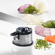 Sicherheits-Messerschärfer - Messerschärfen sicher wie nie. Der Einhand-Schärfer mit extra starkem Saugfuss.