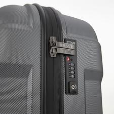 Mit dem 4-stelligen TSA-Spezialschloss schützen Sie den Inhalt Ihres Gepäcks vor unerwünschtem Zugriff. Und Ihren Koffer vor dem gewaltsamen Öffnen durch das US-Sicherheitspersonal.
