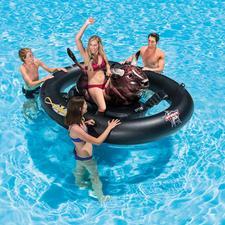 """Aufblasbares Bullenreiten """"Inflatabull"""" - Echtes Rodeo-Feeling wird jetzt zum Spass im Wasser. Aufpumpen, aufsitzen – und los geht´s."""