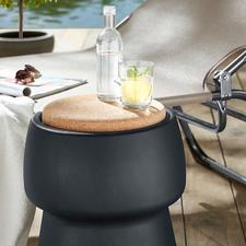 Champ stool/cooler - Eleganter Hingucker. Bequemer Zusatz-Sitz. Und 15 l verborgener Stauraum.