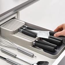 Kompakter Messer-Organizer - Clever und praktisch: die platzsparende 2-Stufen-Messerablage für die Schublade.