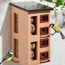 Dreifach-Futterspender - Schwedisches Design bietet abwechslungsreiche Kost unter einem Dach.