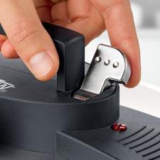 Dank praktischem Einhand-Verschluss lässt sich der Dampfdruckdeckel leicht öffnen.