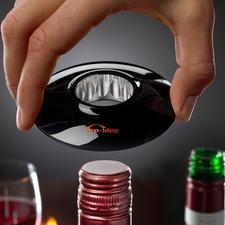 Wine-Donut® - Lifestyle-Objekt und praktisches Wein-Accessoire zugleich.