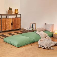 4-in-1-Gästematratze - Ein Griff – und das behagliche Polster wird zum kuscheligen Sessel, Hocker, Gästebett.