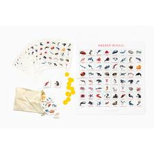 Enthält 12 Bingo-Karten, 64 Spielkärtchen, 200 Markierungs-Chips, Spielbrett, Stoffbeutel, Broschüre.