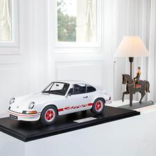 Porsche 911 Carrera RS 1972, 1:8 - Aufwändig handgefertigt: die perfekte Replik des berühmten Vorbilds – als limitierte Edition von 191 Stück.