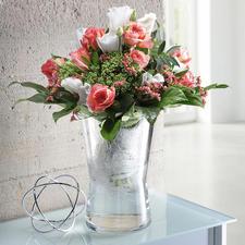 Oder nehmen Sie den Einsatz heraus – und ihre Vase hat  die genau richtige, leicht geschwungene Form für volumige Sträusse.