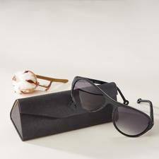 Monkeyglasses® Baumwoll-Sonnenbrille - Die Sonnenbrille aus Baumwollfasern: Trendgerechte Holz-Optik. Aber leichter. Stabiler. Feuchtigkeitsbeständiger.