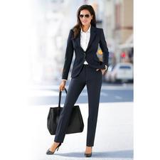 Business-Blazer oder -Hose - Der feminine unter den seriösen Business-Anzügen. Zeitgemässer, figurbetonter Schnitt. Charmante Details.
