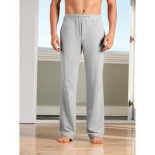 Lacoste Pyjama - Luftig und bequem wie ein Piqué-Polo. Präsentabel wie ein Homesuit. Der Pyjama von Lacoste/Frankreich.