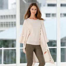 FTC Cashmere Poncho - Das eine Trend-Piece für unzählige Outfits: Der Kaschmir-Poncho mit Cut-Outs.