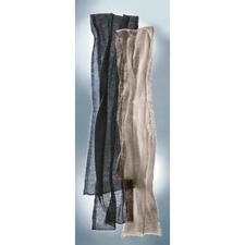 Luftschal - Ihr wohl feinster und zartester Schal wiegt nur 20 Gramm, ist weich und wärmt sogar.