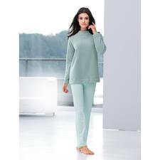 Modern-Loungewear-Anzug - Zeitgemäss in Schnitt und Material: Fleece-Sweater und MicroModal®-Hose aus dem Atelier von Cornelie Weiss, Düsseldorf.
