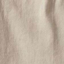 Das kühle, leicht fliessende Leinen in der Farbe Oatmeal passt zu allem – quer durch Ihren Kleiderschrank.