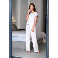 swiss+cotton Damen-Pyjama - Selten: moderne, cleane Form. Und erlesene swiss+cotton-Qualität.