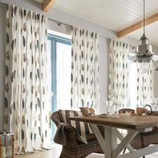 """Vorhang """"Falcone"""", 1 Vorhang - Trendiges Feder-Dessin, selten kunstvoll gestickt. Bewunderter Blickfang der diesjährigen imm cologne."""
