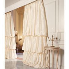"""Vorhang """"Lussuria"""", 1 Vorhang - Eines Ballsaals würdig: Der Stufenvorhang aus schimmerndem Taft."""