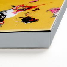 Die 5 cm dicke Aluminium-Fassung wurde von Michael Burges selbst konzipiert.