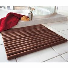 Holzvorleger - Durch ovale Holzstäbe besonders fussfreundlich. Pflegeleicht abwaschbar.