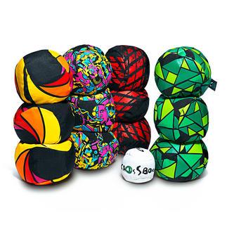 Crossboccia Familypack oder Nightpack Very Trendy: Funsport Crossboccia. Vielseitiger und abwechslungsreicher als das klassische Vorbild.
