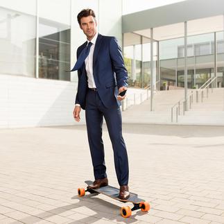 E-Go Elektro-Longboard Cool per Fernbedienung oder iPhone gesteuert. Macht Riesenspass und bringt Sie schnell voran.