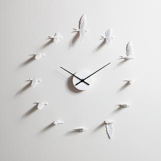 Schwalbenuhr In 12 verschiedenen Flugpositionen markieren sie den Stunden-/5-Minuten-Takt.