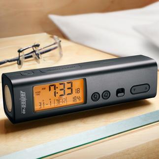 3-in-1 Reise-Funkwecker 3fach praktisch: Funk-(Reise-)Wecker, Weltzeituhr und Taschenlampe zugleich.