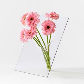 Tischvase Aussergewöhnliches Design: Die glasklare, handgefertigte Vase hebt die Blüten effektvoll hervor.