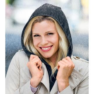Hood To Go Schickes Accessoire. Und ein praktischer Regenschutz zum Drunter- und Drüberziehen.