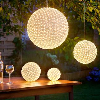 LED-Blumenball Ein warm leuchtendes Blütenmeer – aus bis zu 600 winzigen LEDs.