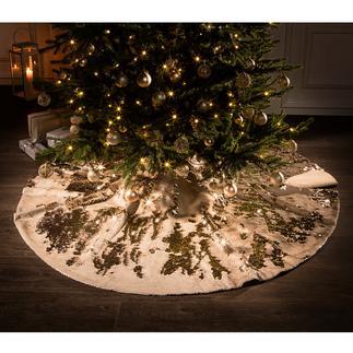 Pailletten-Christbaumdecke Im angesagten Metallic-Trend: festliches Funkeln unter dem Weihnachtsbaum.
