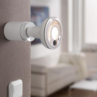 LED-Smartlight mit IP-Kamera Preisgekrönt: Der LED-Strahler mit Fernüberwachungs-Kamera. Doppelt nützlich. Für innen und aussen.