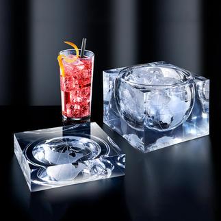 Welt-Kubus Eiswürfel, Nascherei und mehr – serviert  im spektakulären Designobjekt.