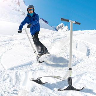 Stiga® Snow Kick Flex Pistenspass für Jedermann. Einfach wie Rollerfahren. Stabiler Schnee-Scooter mit flexibler Stahl-Standplatte.