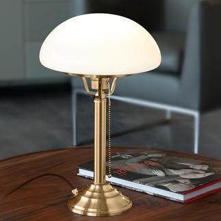 Berliner Messing-Pilzlampe Der Klassiker aus der Frühzeit der Elektrizität. Detailgetreu aus massivem Messing und mundgeblasenem Opalglas.