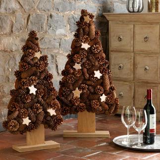 Zapfen-Baum Wenn doch alle Weihnachtsbäume so langlebig wären ... Aus Naturholz und echten Zapfen von Hand komponiert.