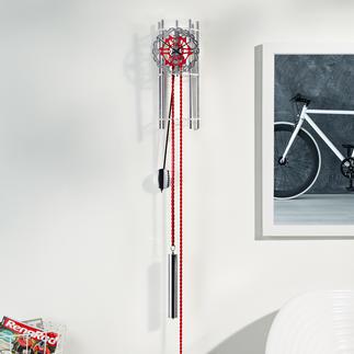 """Design-Wandpendeluhr """"Rad"""" Die Schönheit reiner Mechanik: die Wandpendeluhr mit Original-Fahrradteilen."""
