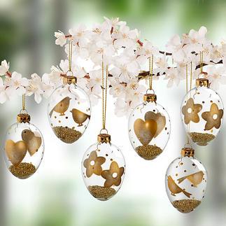 Glas-Ostereier mit Goldmotiven, 6er-Set Gefüllt mit dezent goldschimmerndem Granulat. Hochaktuell als Behang für Strauss oder Zweige, als Schmuck am Fenster.