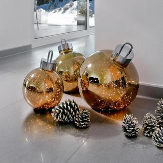 Kugelglanz Geheimnisvolles Leuchten: riesige Christbaumkugeln mit 100 funkelnden Mikro-LEDs.