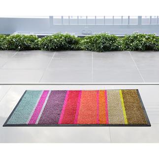Flache Design-Fussmatte Passt unter nahezu jede Tür: die ultraflache Design- Fussmatte aus saugstarker Nylon-Faser.