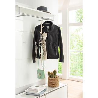 Hängehaken Nur einhängen – schon fertig: der Garderobenhänger aus unbehandeltem Ahornholz. Sieben Holzhaken und einer aus Edelstahl sorgen für 8-fache Kapazität.